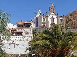 A picture of the hotel: Holiday Cottage Santa Lucía 2