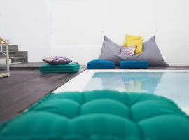 Hotel photo: Art 4 You Cascais Hostel & Suites