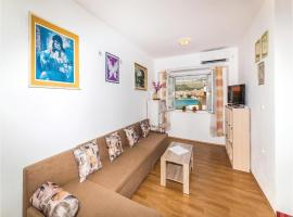 Hotel photo: Two-Bedroom Apartment in Trogir