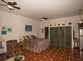 Hotel photo: Studio Perejil by Villa Santo Nino