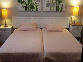 A picture of the hotel: Habitacion con baño privado