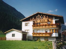 Hotel photo: Landhaus Tschafein