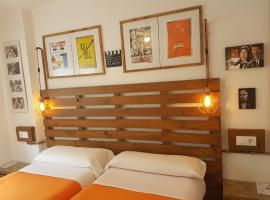 A picture of the hotel: Barri Antic Hostel & Pub