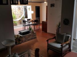 Fotos de Hotel: Chia Casa Completa En El Pueblo