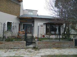 A picture of the hotel: Casa De Amigos
