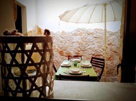 Foto di Hotel: Casa Vacanze EtnaMare - Home Holiday EtnaMare