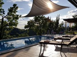 Hotel Photo: Valentina Guest House at Pintar Wine Estate