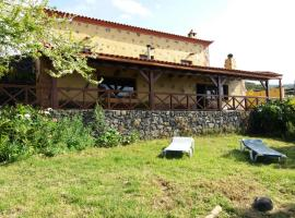 A picture of the hotel: Casas Los Abuelos De Calderon