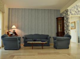 Hotel Photo: Garden apartment in Vouliagmeni