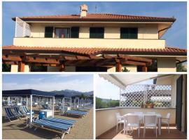 Hotelfotos: Appartamento con terrazza panoramica