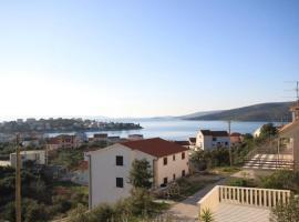 Hotel Photo: Apartment Seget Vranjica 8507a