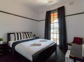 Hotel photo: Royal Hotel Ryde
