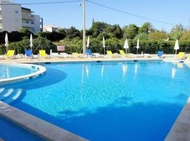 Hotel photo: Maralvor - 500 mts from the beach