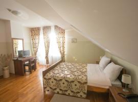 Hotel photo: St. Hubert Hunting Lodge