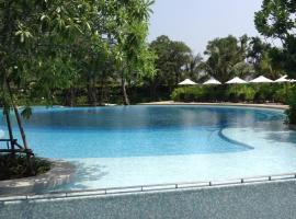 Hotel photo: Baan Thew Talay Blue By Tuk