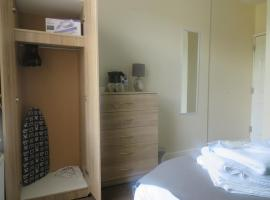 Hotel photo: Townhouse @ Gresty Road Crewe