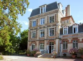 Hotel photo: Hotel The Originals Maison de l'Abbaye