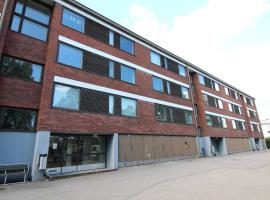 Hotel photo: A convenient and well-functioning two-bedroom apartment in Tikkurila, Vantaa. (ID 10718)