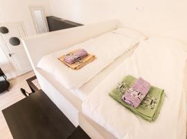 Hotel photo: J&M Flat close to Budapest WHALE
