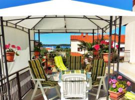 Hotel photo: Apartment Fazana 7260a