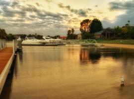 Photo de l'hôtel: Waterfront Retreat
