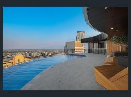Hotel photo: Stay in Style-Luxury CBD Apartment