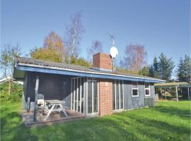 Hotel photo: Three-Bedroom Holiday Home in Orsted