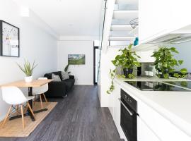 מלון צילום: Hip one-bedroom house in inner Sydney