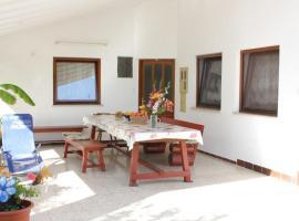 Hotel photo: Apartment Valbandon 7228b