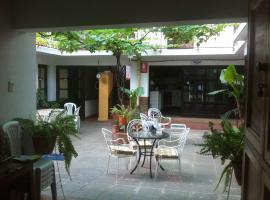 Hotel photo: Kultur Berlin Tarija Guesthouse