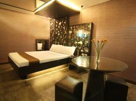 Hotel photo: Victoria Court Cuneta Motorist Lodge