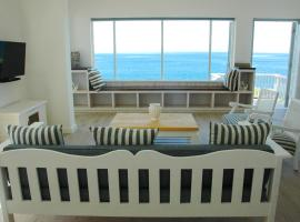 Hotel photo: 3 On Rocklands Beach and Pool Villa