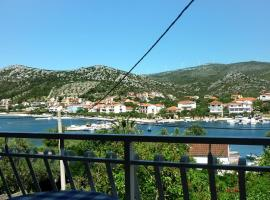 Hotel photo: Apartment Seget Vranjica 974b