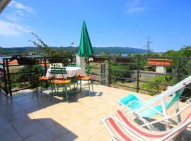 Hotel photo: Apartment Kuciste - Perna 10198a