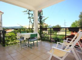 Hotel photo: Apartment Kuciste - Perna 10198b