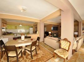 Hotel photo: Nodaros Home