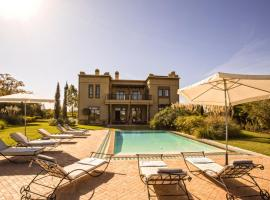 A picture of the hotel: Villa de Luxe avec Piscine Privée et Golf