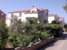 Hotel photo: Apartment Zadar - Diklo 13327b