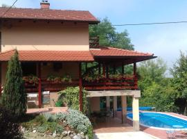 A picture of the hotel: Holiday Home Nina Petrinja