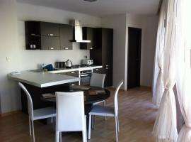 Hotel photo: Triton Court Sea View Apartments