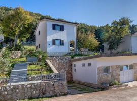 Hotel Photo: Holiday Home Porozina 8101