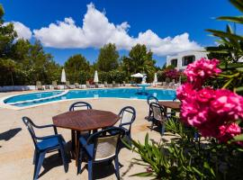 Hotel photo: Apartamentos Barbarroja - Formentera Break