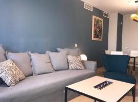 A picture of the hotel: Apartamento Paseo Marítimo Antonio Banderas