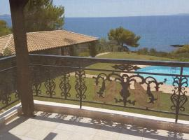 Hotel photo: VILLA PORTO CHELI with Private Beach