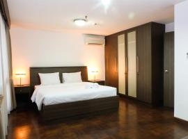 Hotel photo: Spacious 2 BR Apartment Park Royale By Travelio