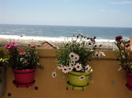 Hotel photo: Large seaside apartment