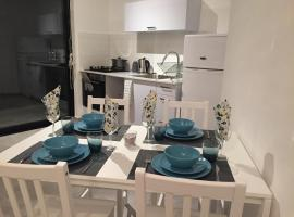 Hotel photo: Boutique Apartment 200m from the Beach