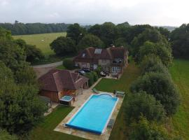 Hotel photo: Little Oldwick Pool House