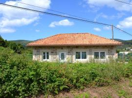 """Hotel photo: Beautiful holiday house in Galicia next to the """"Camino de Santiago"""" and next to the beach"""