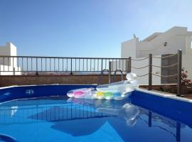 Foto di Hotel: Casa Marinero with Private Pool